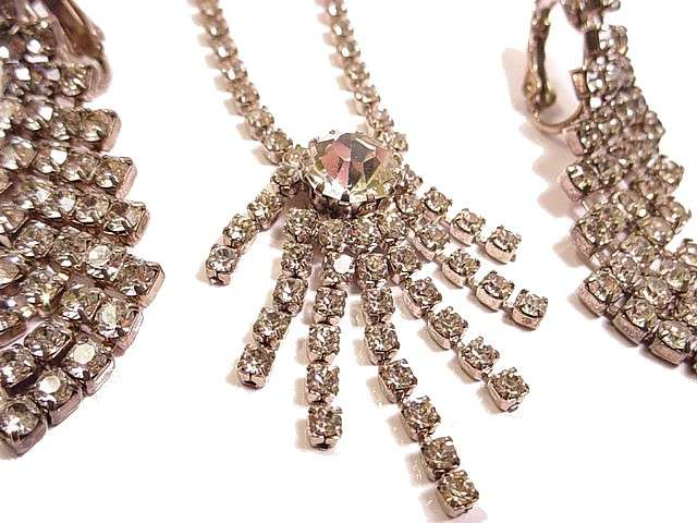 Sumptuous Vintage Necklaces And Necklace Earring Sets With