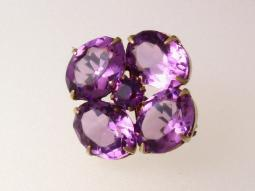 Edwardian Pin in gold with amethyst glass stones