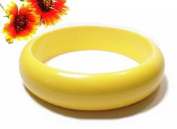 Vintage bangle bracelet - slips over the wrist