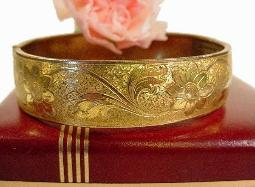 A touch of history, amazing gold filigree victorian bracelet, antique bangle