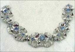 Vintage Coro Bracelet signed, blue stone set in silvertone links