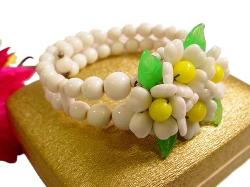 The design of white flowers center with yellow, spring wrap bracelet