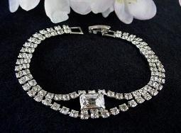Elegant crystal RS Rectangular center bracelet