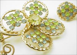 Un-Signed Designer Vintage Brooch Set