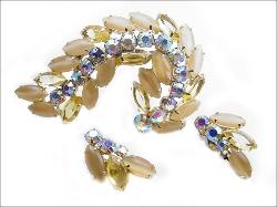 Juliana by DeLizza & Elster Brooch and Earring Set