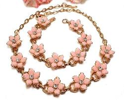 Thermoset Floral Vintage Necklace & Bracelet
