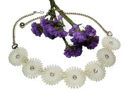 Vintage Plastic, White Flower Lucite Necklace