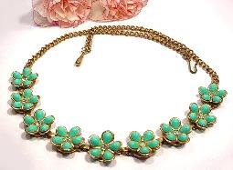 Summery vintage thermoset turquoise floral necklace