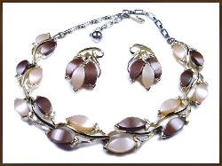 Browns and Tans Thermoset Demi-Parure