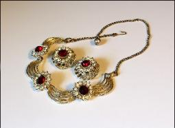Ruby Red Necklace Set, Patsy Cline era