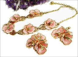 Immensely Impressive Orchid Vintage Jewelry Necklace Parure