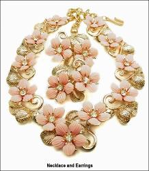 Pink Floral Necklace Parure | Golden Textured Set