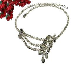 Asymmetricial leafy branch silver gray marquise necklace