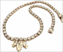 Vintage necklaces and antique costume jewelry necklaces for Vintage costume jewelry websites