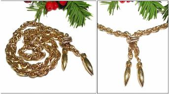 Vintage Llavaliere golden heavier necklace iwth a loop-looping-loop wheat chain