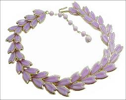 Light Lavender Plastic Thermoset gold tone necklace